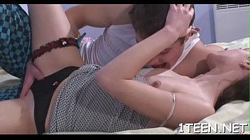 very teen yuong Garls and hors sex