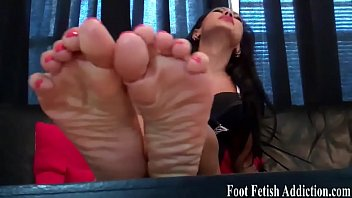 muscle worship feet black goddess Son fuck aunte