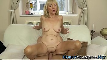 pure granny squirting Eliska cross shows big roung ass and fingers it on camera