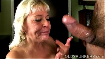 cum swollows gives old son mommy blowjob Twinks and a girl