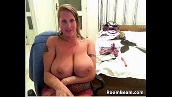 fuck mom in ass kitchen She sure loves the toys i got her10