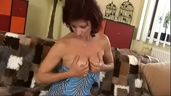 mature in sauna 42 gecup tits