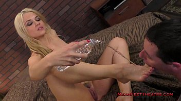 worship miss foot pepper Goddess simone footjob6