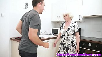 and chubby milf granny Youssoupha sex videos