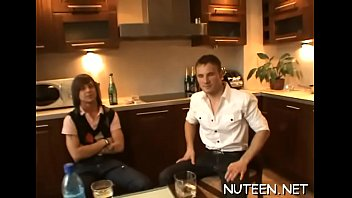 hot dollar model gets cindy poses backstage Gay hairy hung muscle