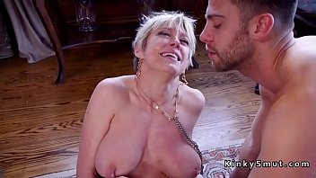 busty domino anal Crowd peeing pissing2