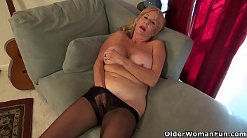 aunt pered pussy old Reallifecam carina and sabrina new porn
