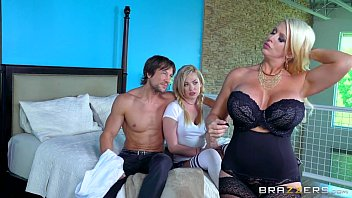fucked double daughter by sons and two mom Piretst srx movies